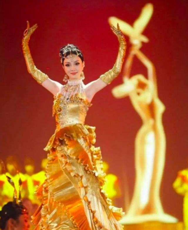 """Nhan sắc của """"nữ thần Kim Ưng"""" Tống Thiến gây thất vọng - 20"""