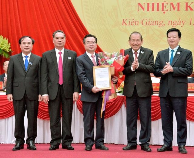 Chủ tịch UBND tỉnh Kiên Giang được bầu giữ chức Bí thư Tỉnh uỷ - 3