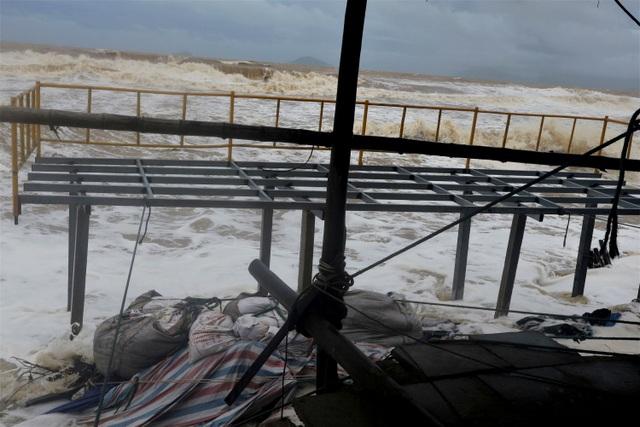 Sóng lớn uy hiếp bờ, resort trăm tỷ ở Hội An có nguy cơ bị nuốt chửng - 10