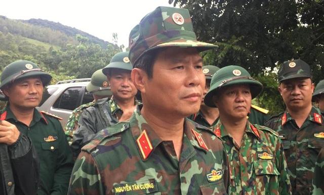 Tìm thấy 14 thi thể trong 22 chiến sĩ gặp nạn, Quảng Trị cứu hộ xuyên đêm - 11