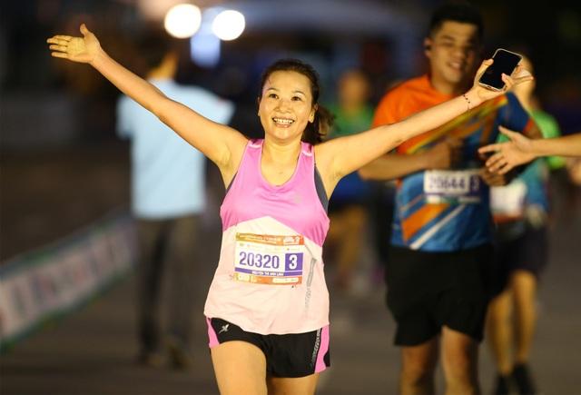 Ông Đoàn Ngọc Hải chinh phục giải marathon đặc biệt của Hà Nội - 8