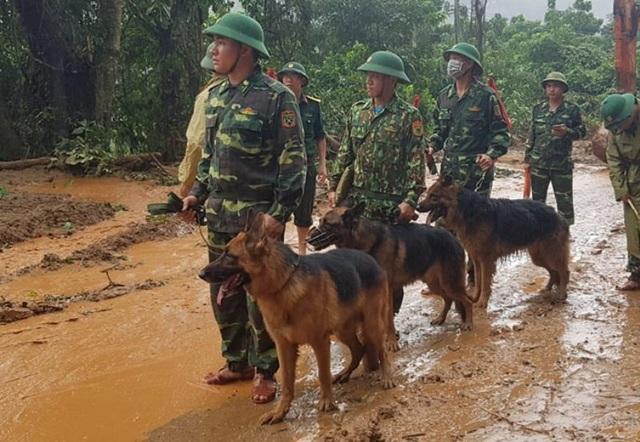 Đưa 2 trực thăng từ Đà Nẵng ra Quảng Trị, tiếp tế cho vùng bị cô lập - 1