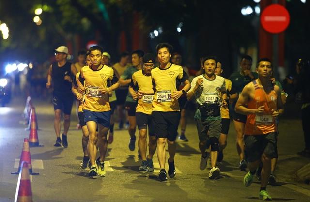 Ông Đoàn Ngọc Hải chinh phục giải marathon đặc biệt của Hà Nội - 10