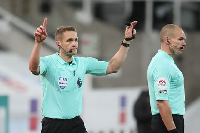 Newcastle 1-4 Man Utd: Bùng nổ 10 phút cuối trận - 4