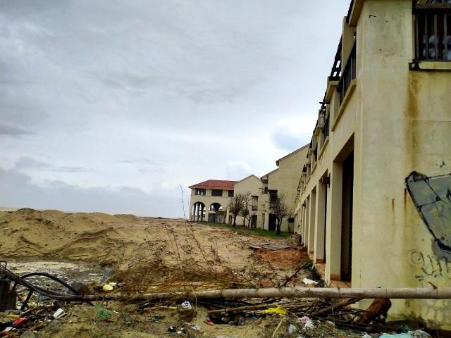 Sóng lớn uy hiếp bờ, resort trăm tỷ ở Hội An có nguy cơ bị nuốt chửng - 7