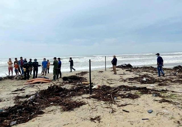 Sóng lớn uy hiếp bờ, resort trăm tỷ ở Hội An có nguy cơ bị nuốt chửng - 18