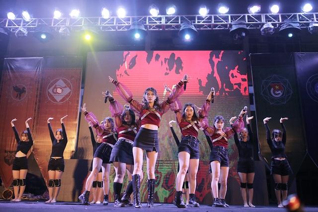 Sinh viên Ngoại thương bùng nổ ngày hội chào Tân sinh viên - 5