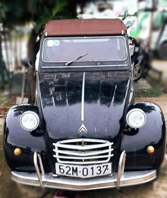 Đấu giá chiếc xe cổ của NSND Út Trà Ôn ủng hộ đồng bào miền Trung - 1