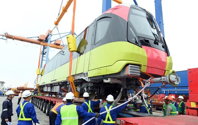 Đoàn xe siêu trường chở tàu đường sắt Nhổn - ga Hà Nội từ Đình Vũ về Hà Nội - 7