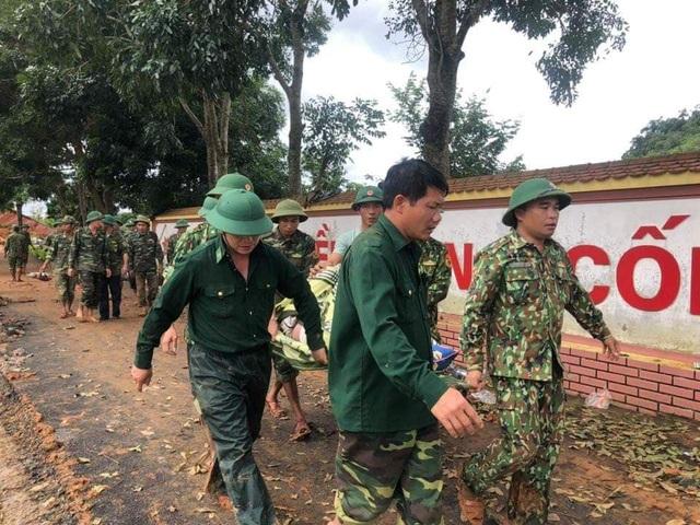 Tìm thấy 14 thi thể trong 22 chiến sĩ gặp nạn, Quảng Trị cứu hộ xuyên đêm - 3