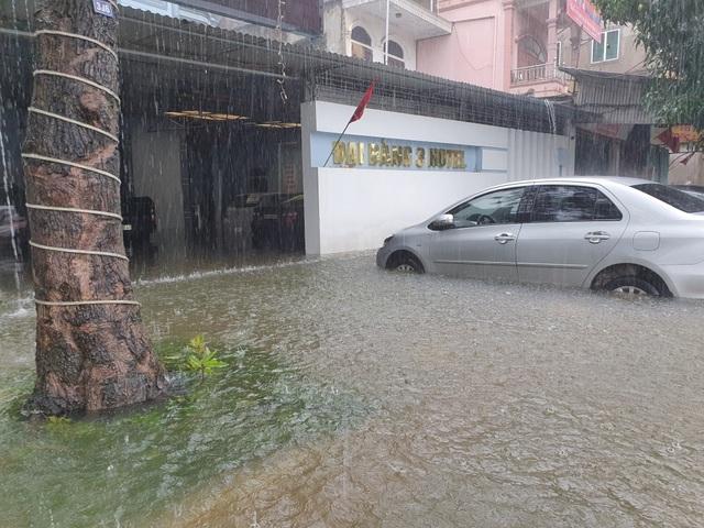 Hà Tĩnh đang gánh chịu trận lũ lụt lớn nhất trong 50 năm qua? - 11