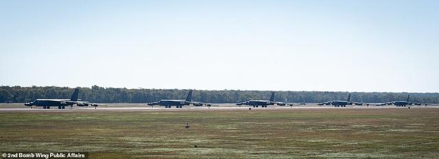 """Dàn máy bay B-52 Mỹ tập trận """"Voi đi bộ"""" - 9"""