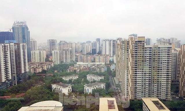 Hà Nội: Giá căn hộ vùng ven, ngoại thành được đẩy lên ngang ngửa khu trung tâm - 1