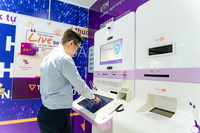 Hành trình người dùng vượt xa quầy giao dịch ngân hàng nhờ phát triển vượt bậc của công nghệ số - 2