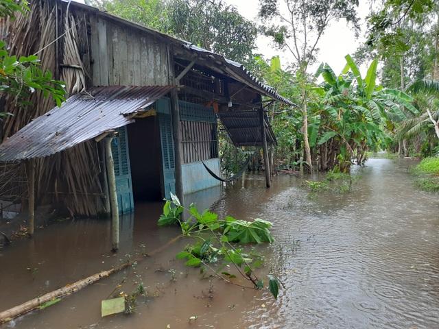 Cà Mau: Hai huyện tiếp tục cho học sinh nghỉ học vì đường ngập - 2