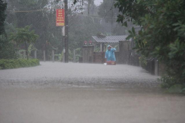 Hà Tĩnh đang gánh chịu trận lũ lụt lớn nhất trong 50 năm qua? - 3