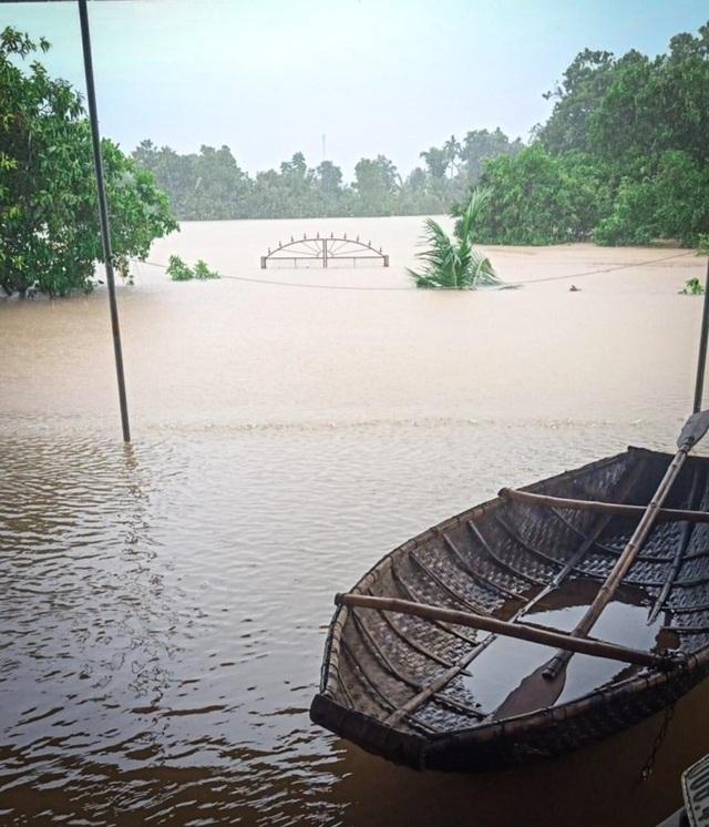 Hà Tĩnh đang gánh chịu trận lũ lụt lớn nhất trong 50 năm qua? - 1