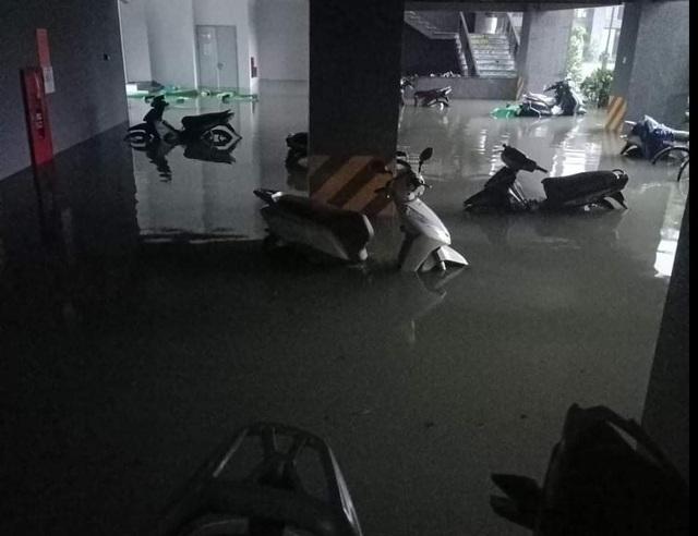 Hà Tĩnh đang gánh chịu trận lũ lụt lớn nhất trong 50 năm qua? - 7