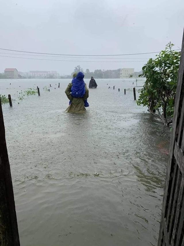 Khẩn cấp sơ tán hàng trăm nghìn người dân ở nhiều vùng mưa lũ - 3