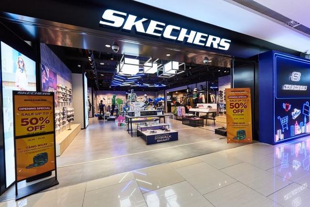 Skechers tung ưu đãi lên đến 50%, dàn sao Hà Nội nô nức tham dự khai trương - 1