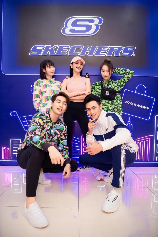 Skechers tung ưu đãi lên đến 50%, dàn sao Hà Nội nô nức tham dự khai trương - 4