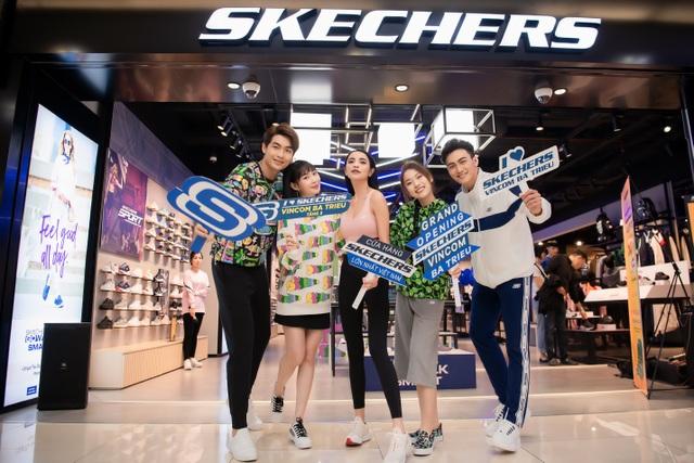 Skechers tung ưu đãi lên đến 50%, dàn sao Hà Nội nô nức tham dự khai trương - 5