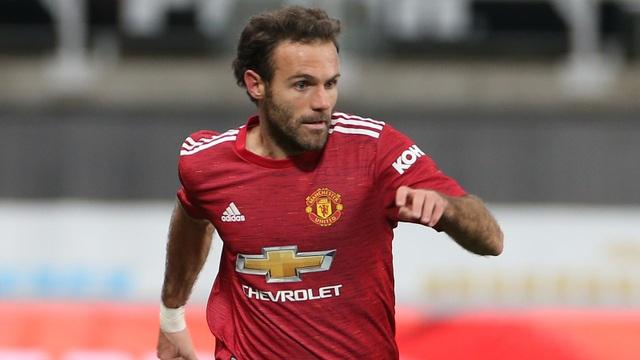 Mbappe cảnh báo Cavani trước trận Man Utd gặp PSG - 2