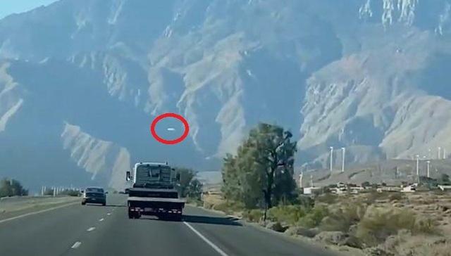 Phát hiện UFO bí ẩn gần Khu vực quân sự 51 tối mật của Mỹ? - 1