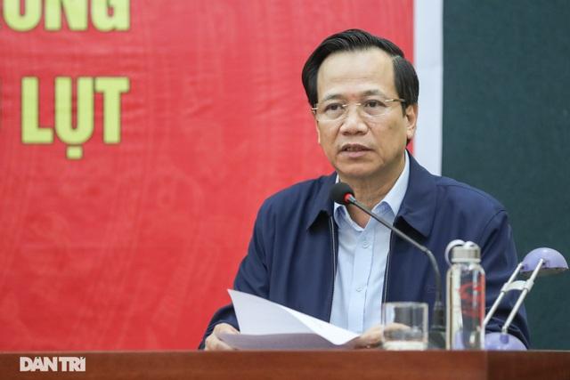 """Bộ trưởng Đào Ngọc Dung: """"Triệu tấm lòng hướng về khúc ruột miền Trung"""" - 1"""