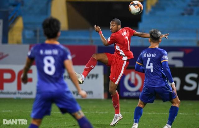 Thắng Bình Dương, CLB Viettel giữ ngôi đầu bảng V-League - 3