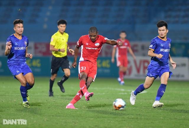 Thắng Bình Dương, CLB Viettel giữ ngôi đầu bảng V-League - 6