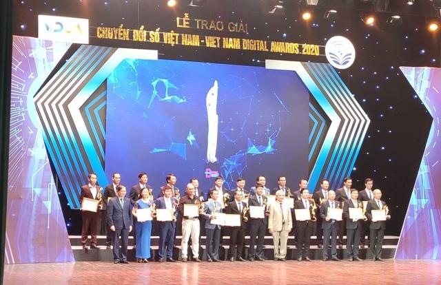 EVN cùng một số đơn vị nhận giải thưởng Doanh nghiệp chuyển đổi số xuất sắc Việt Nam 2020 - 2