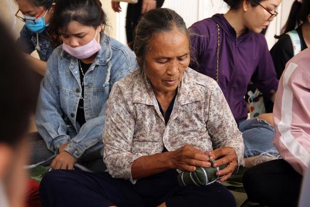 Phú Yên: Hơn 500 người dân gói bánh chưng tặng đồng bào vùng lũ - 6