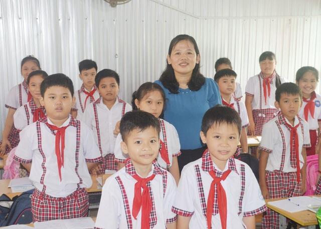 Cô giáo Minh Thùy: Tôi luôn đặt tình yêu thương học sinh lên hàng đầu - 2