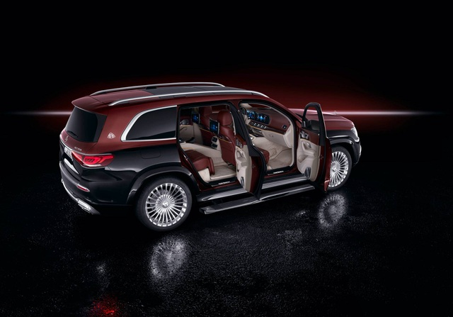 Mercedes-Maybach GLS 600 gây sốc vì giá bán - 18