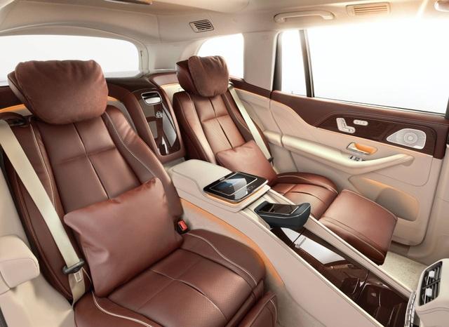 Mercedes-Maybach GLS 600 gây sốc vì giá bán - 17