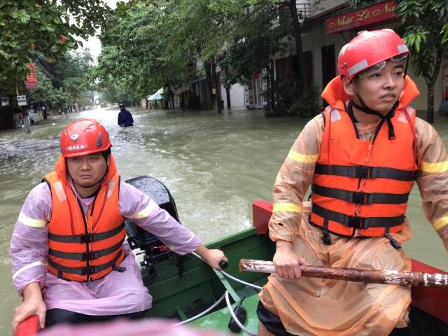 Hà Tĩnh: Mưa lũ khiến 4 người tử vong, nhiều tuyến đường nứt toác - 15