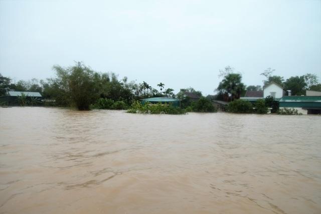 Bạn đọc Dân trí giúp đỡ người dân Hà Tĩnh bị lũ lụt 400 triệu đồng - 2