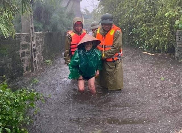 Hà Tĩnh: Mưa lũ khiến 4 người tử vong, nhiều tuyến đường nứt toác - 4