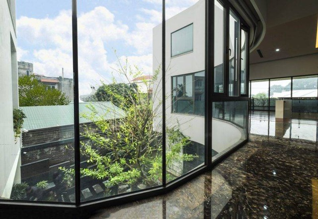 Biệt thự ở Hà Nội mát rượi quanh năm nhờ vườn cây phủ kín mặt tiền - 10