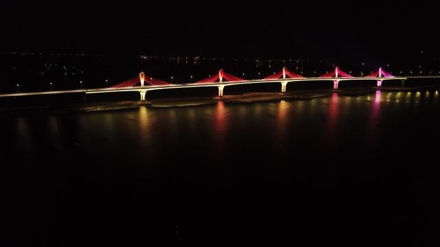 Thông xe cầu nghìn tỷ nối đôi bờ Trà Khúc - 3