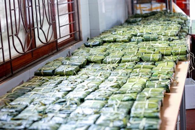 Gói 10.000 bánh chưng chay gửi vào miền Trung - 10