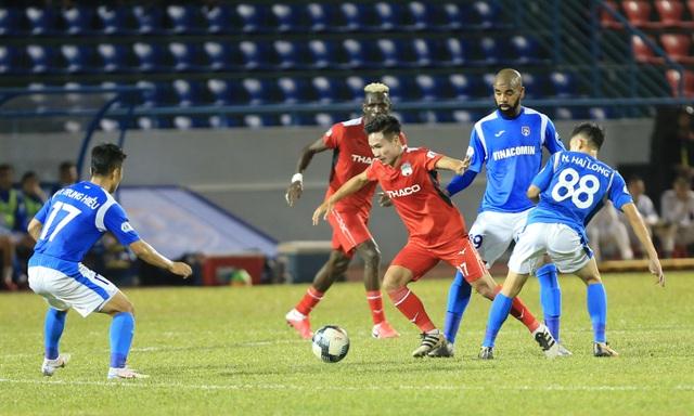 HA Gia Lai tiếp tục thua đậm trên sân của Than Quảng Ninh - 2