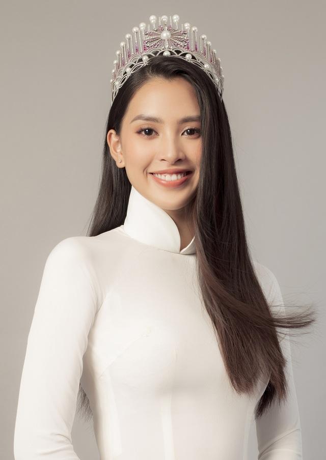 Hoa hậu Trần Tiểu Vy: Người phụ nữ đẹp nhất chính là mẹ - 9