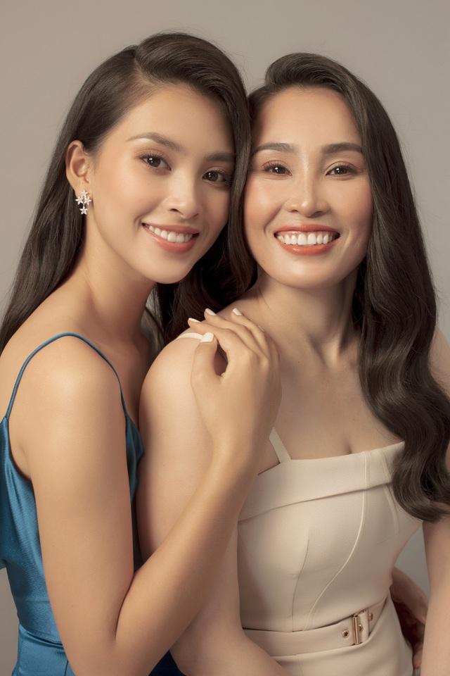 Hoa hậu Trần Tiểu Vy: Người phụ nữ đẹp nhất chính là mẹ - 5