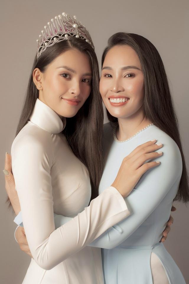 Hoa hậu Trần Tiểu Vy: Người phụ nữ đẹp nhất chính là mẹ - 8