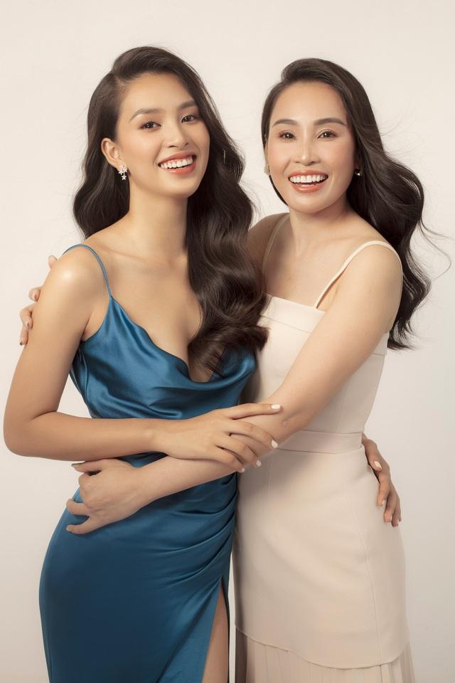 Hoa hậu Trần Tiểu Vy: Người phụ nữ đẹp nhất chính là mẹ - 4