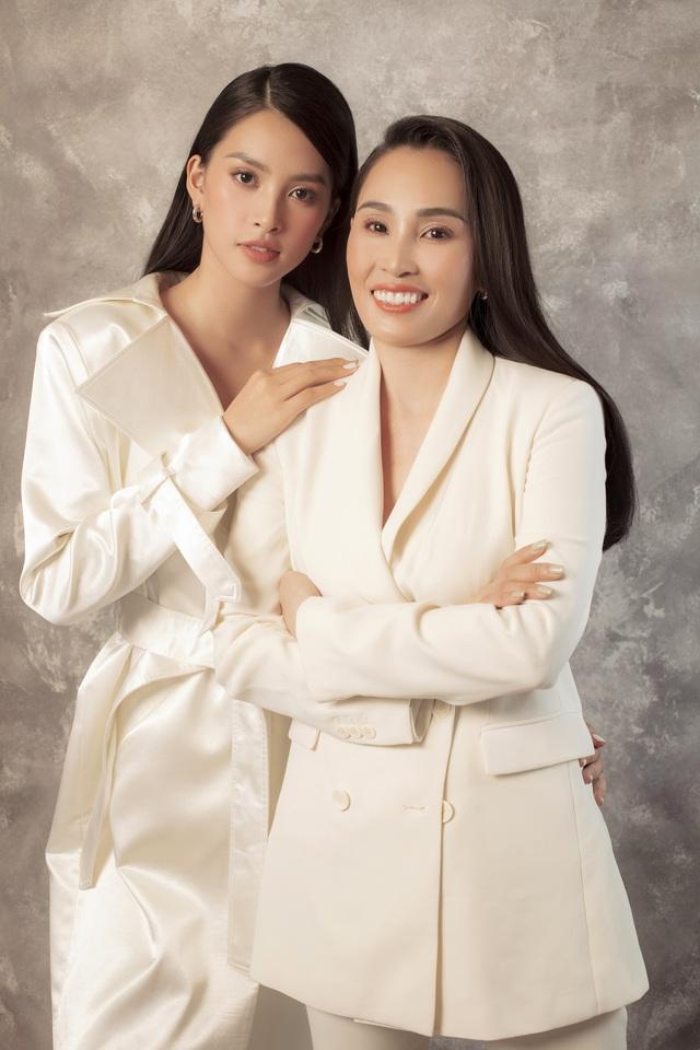 Hoa hậu Trần Tiểu Vy: Người phụ nữ đẹp nhất chính là mẹ - 2