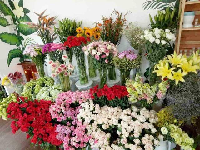 Giới buôn hoa liêu xiêu vì lời kêu gọi hạn chế tặng hoa dịp 20/10 - 1