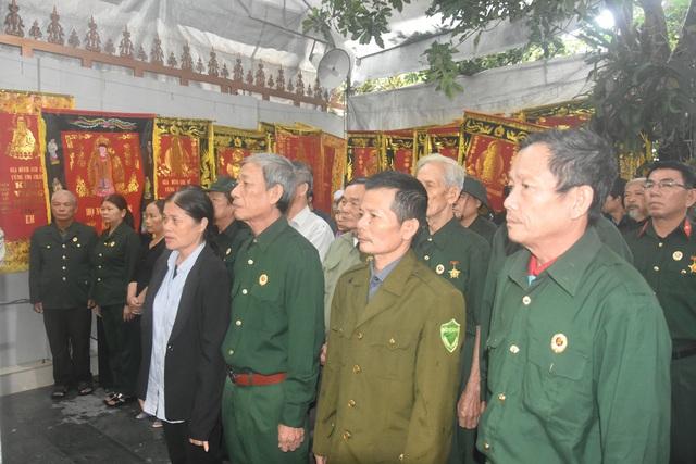 Đoàn người lặng lẽ dưới mưa, tiễn đưa Thiếu tướng Nguyễn Văn Man về đất mẹ - 5